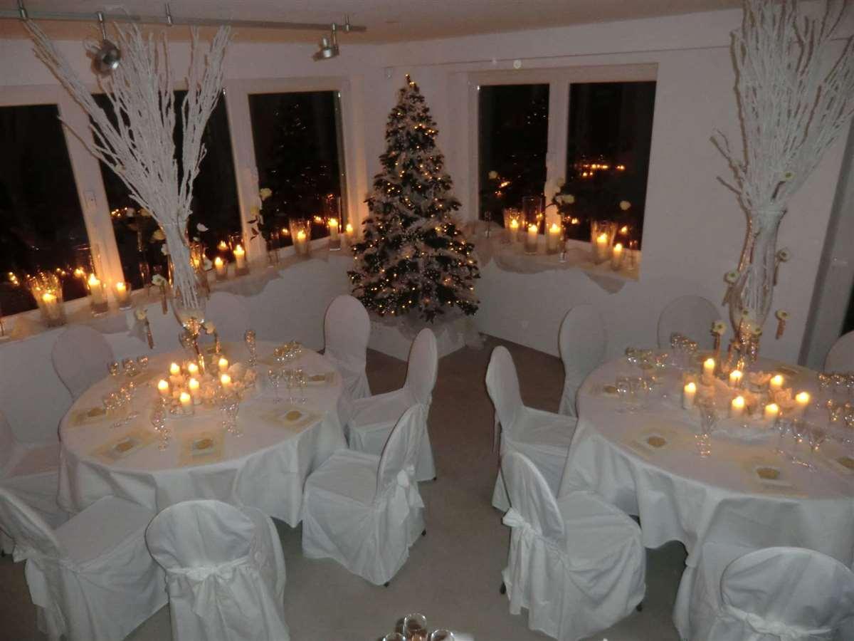 weihnachtsfeier-mit-champagner